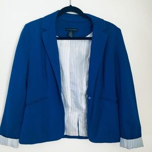 Nordstrom's Navy blue Blazer w/ pinstripe lining